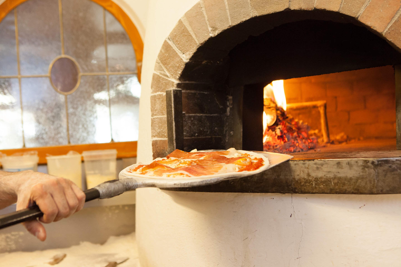 La pizzeria a bressanone pizzeria l wenhof leone for Mezza pensione bressanone